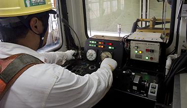 新幹線保守用車の車輌運転操作点検