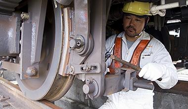 新幹線保守用車の車輌点検